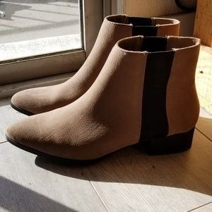 H&M Taupe Chelsea Boots